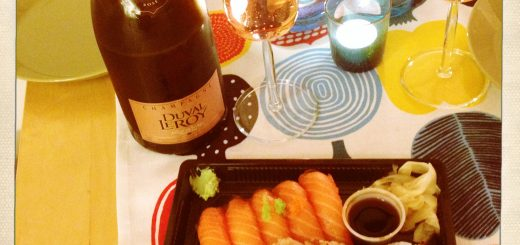 Duval-Leroy och färdig sushi. Funkar mycket bra!