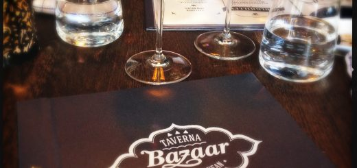 Slink in på Taverna Bazaar för en bra matupplevelse.