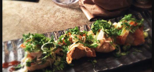 Friterade högrevsdumplings med koriander, chili, tryffelmajonnäs.