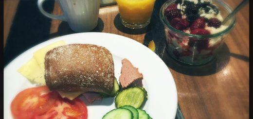 Frukost på Scandic Grand Central.