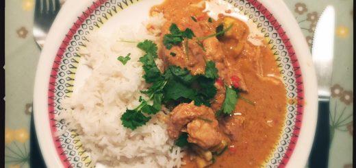 Recept på en het indisk curry med kyckling.