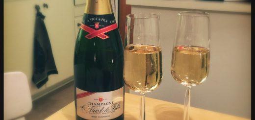 A Viot Brut Tradition är Sveriges just nu billigaste champagne.