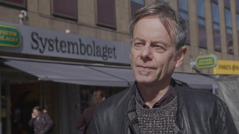 Mats-Eric Nilsson har fått sitt drömjobb, i tre avsnitt av Uppdrag Granskning kommer han att visa oss fusket i mat- och dryckesindustrin och berätta varför vi låter oss luras.