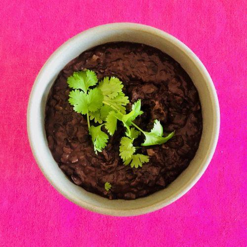 Recept på refried beans, ett perfekt tillbehör till vegetariska tacos.