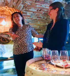 Amalia Gonzalez Stöckel berättar om sin resa till Parés Baltà, Maria från vinhuset berättar om hur de odlar biodynamiskt och ekologiskt.
