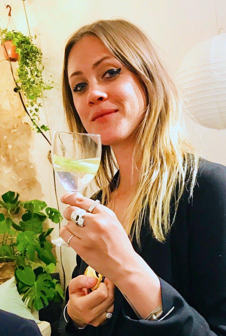 Min vän och bloggare Rebecca Brage (Stockholmfood) firade sin födelsedag med en Pink Gin & Tonic från Stockholms Bränneri.