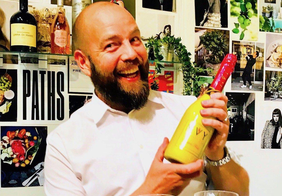 En som gillar Envy lika mycket som jag är Nigabs Brand Manager Alexander Kirshakov, so var den som introducerade passionsfruktsvinet i Sverige.