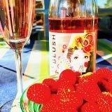Say Blush passar perfekt till jordgubbar.